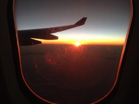 機内から見た日の出